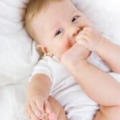 Stolica u novorodencov a dojčiat