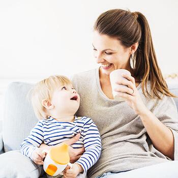 Rastieme každým dňom  alebo výživa dojčiat od 4. do 6. mesiaca