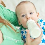 Mýtus 3: Kravské mlieko môžu deti piť už od 6. mesiaca po ukončení obdobia výhradného dojčenia